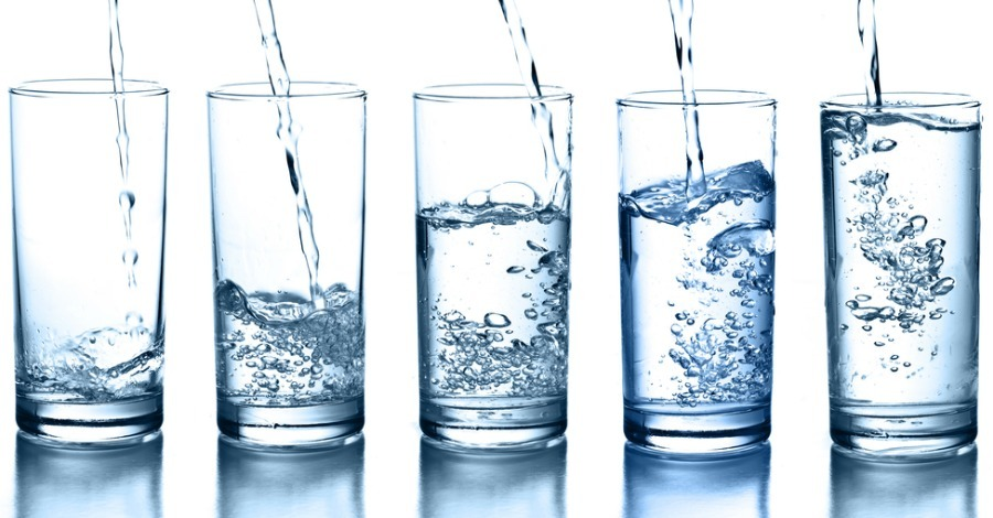 Here's What Happens When You Drink Only Water for a Month: 10 Incredible Benefits